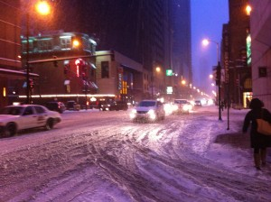 My first major snowfall (and the only one I really faced this year). I sure wouldn't want to drive in this! But I did learn that it takes a hell of a lot to shut this city down.